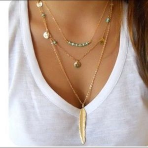 🌺 Sexy three layer gold tone necklace